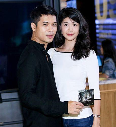 Chuyen tinh cua nu co truong Dong Phuong va Truong The Vinh truoc huy hon - Anh 1