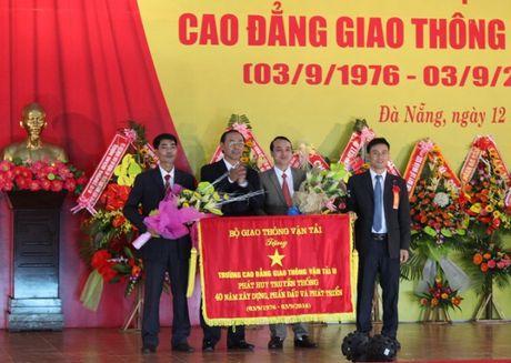 Truong Cao dang GTVT II vinh du nhan buc truong cua Bo GTVT - Anh 2