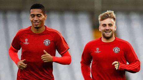 Mourinho 'cai to' MU: Day minh vao cho chet? - Anh 2