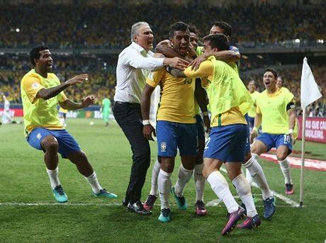 Brazil hoi sinh duoi thoi thuyen truong Tite - Anh 1