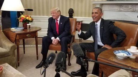 Phu nhan Obama chia se cach day con voi vo Trump - Anh 2
