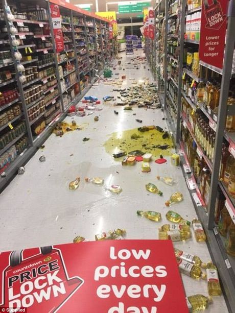 Khung canh dang so o New Zealand sau tran dong dat manh 7,8 do Richter - Anh 3