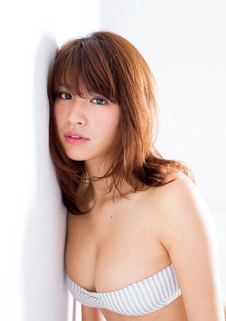 Hot girl Nhat dien ao truyen thong khoe noi y gay tranh cai - Anh 15