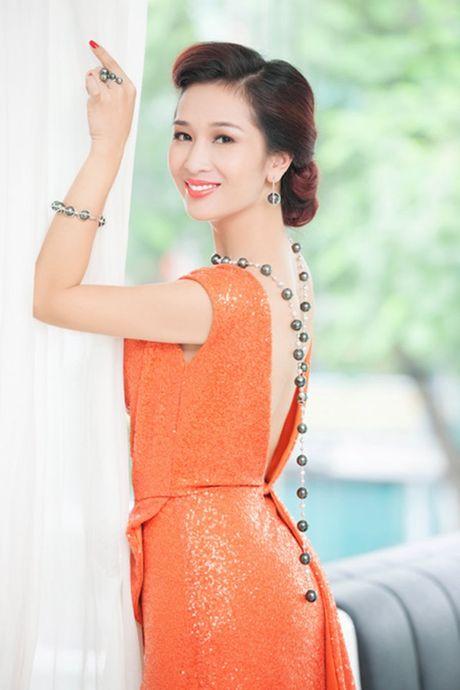 Top 4 my nhan U40,50 dep hon gai 18 cua showbiz Viet - Anh 10