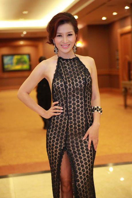 Top 4 my nhan U40,50 dep hon gai 18 cua showbiz Viet - Anh 12