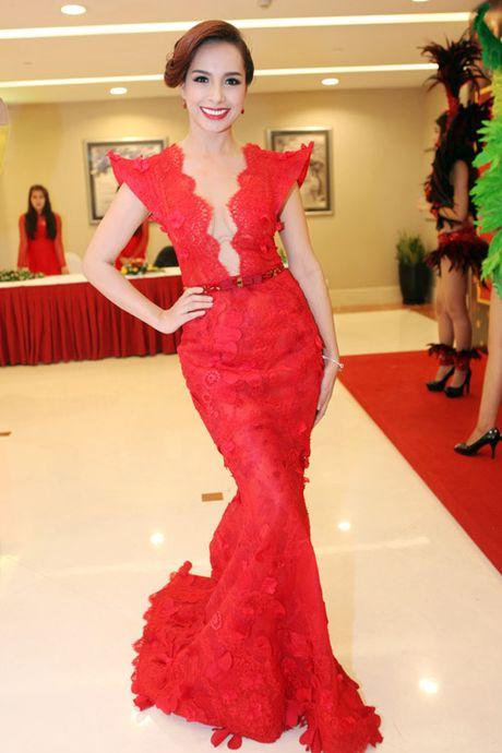 Top 4 my nhan U40,50 dep hon gai 18 cua showbiz Viet - Anh 14