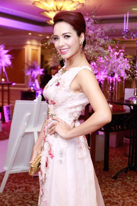 Top 4 my nhan U40,50 dep hon gai 18 cua showbiz Viet - Anh 15