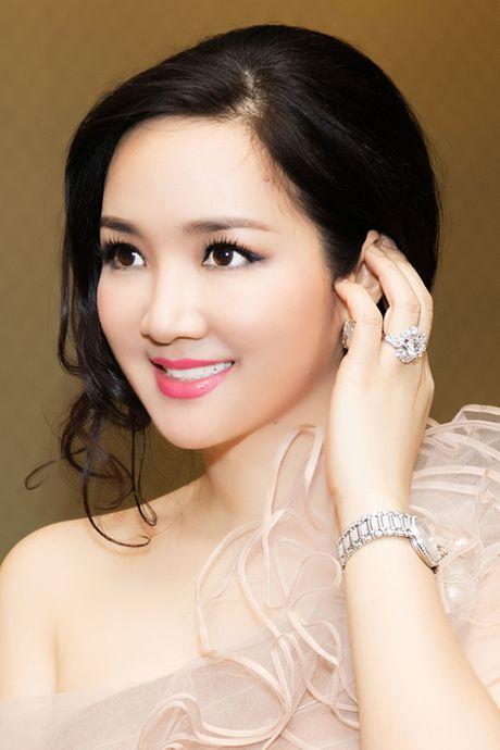 Top 4 my nhan U40,50 dep hon gai 18 cua showbiz Viet - Anh 1