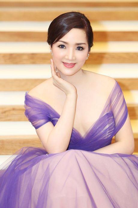 Top 4 my nhan U40,50 dep hon gai 18 cua showbiz Viet - Anh 2
