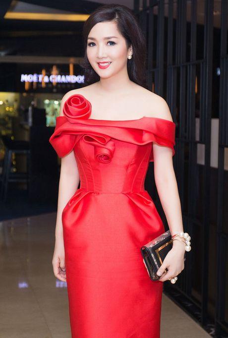 Top 4 my nhan U40,50 dep hon gai 18 cua showbiz Viet - Anh 4
