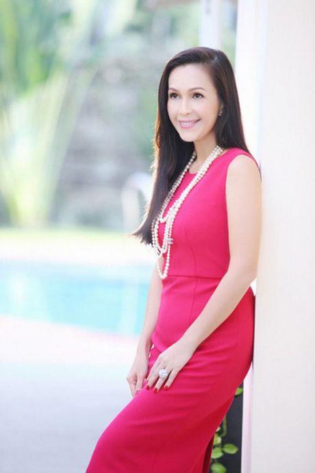 Top 4 my nhan U40,50 dep hon gai 18 cua showbiz Viet - Anh 8