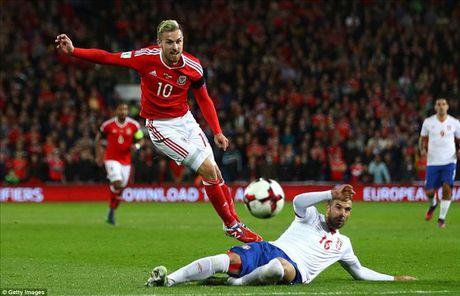 Gareth Bale ghi ban, xu Wales danh roi 2 diem quan trong truoc Serbia - Anh 1