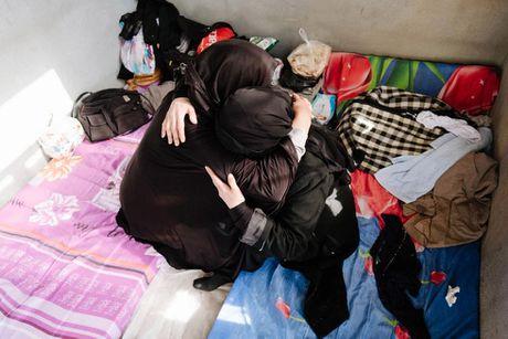 Nhung nan nhan song sot duoi tay phien quan IS - Anh 3