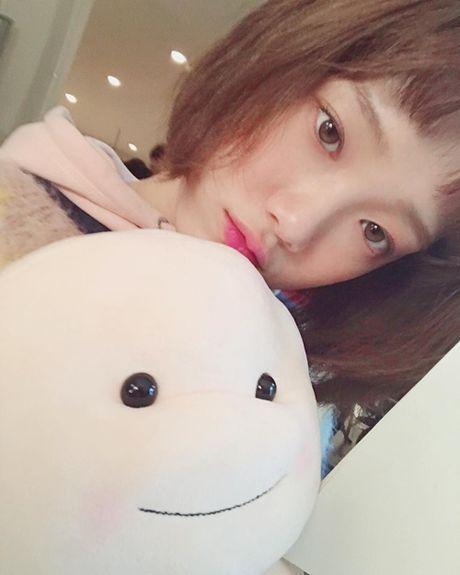 Sao Han 13/11: Hyo Min phoi do 'tren dong duoi he', Chae Yeon do sac Ye Bin - Anh 7