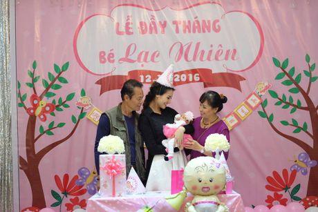 Hong Que hanh phuc khi con gai tron mot thang tuoi - Anh 11