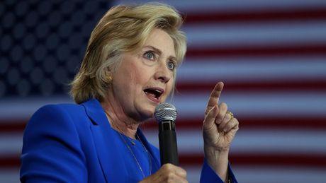 Ba Clinton da tim ra nguyen nhan that bai trong cuoc bau cu? - Anh 1