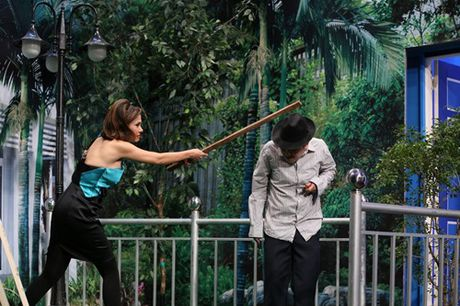 On gioi tap 2: Viet Trinh dung gay go phang vao dau Truong Giang - Anh 6