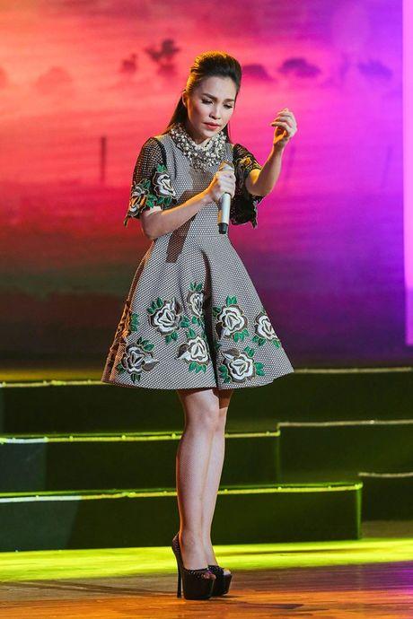 Nha Phuong khoe giong hat trong liveshow cua Truong Giang - Anh 10