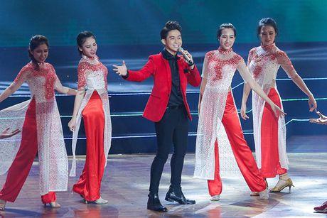 Nha Phuong khoe giong hat trong liveshow cua Truong Giang - Anh 12