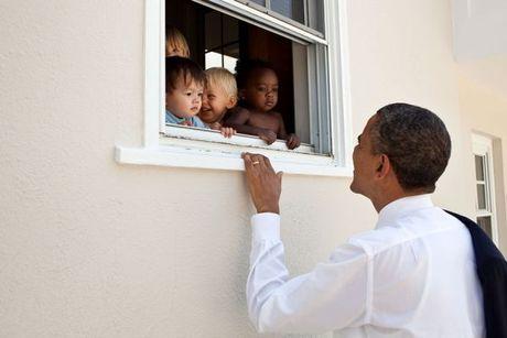 Nhin lai nhung khoanh khac an tuong cua tong thong Obama - Anh 13