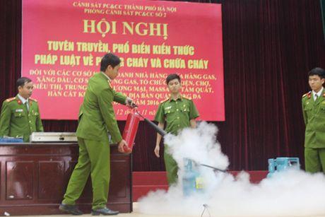 Tren 500 nguoi tham gia nang cao ky nang thoat nan, chua chay - Anh 2