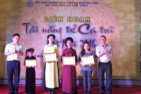 Be mac Lien hoan Tai nang tre ca tru Ha Noi 2016 - Anh 2