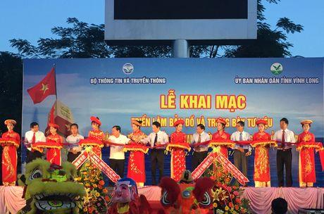Trien lam chu quyen Hoang Sa, Truong Sa tai tinh Vinh Long - Anh 1