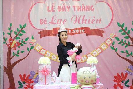 Hoa hau Ngoc Han rang ro toi mung day thang con gai Hong Que - Anh 1