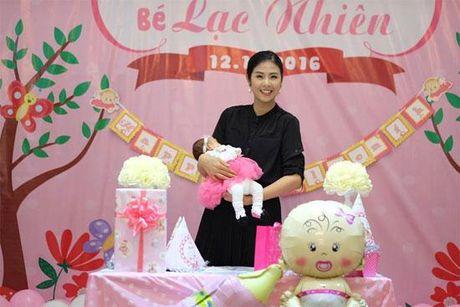 Hoa hau Ngoc Han rang ro toi mung day thang con gai Hong Que - Anh 4