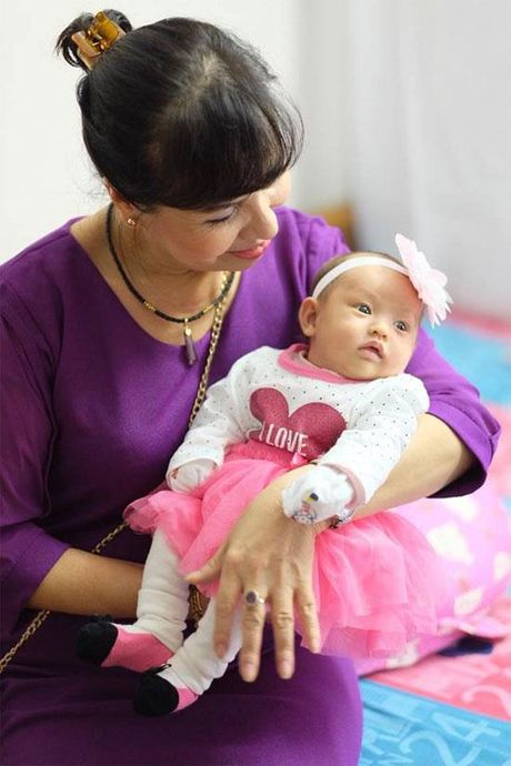 Hoa hau Ngoc Han rang ro toi mung day thang con gai Hong Que - Anh 7