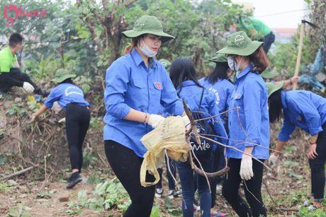 Pho Thu tuong Vu Duc Dam chung tay bao ve moi truong cung sinh vien tai Ha Noi - Anh 3