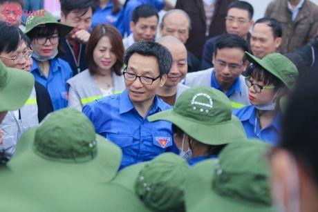 Pho Thu tuong Vu Duc Dam chung tay bao ve moi truong cung sinh vien tai Ha Noi - Anh 6