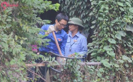Pho Thu tuong Vu Duc Dam chung tay bao ve moi truong cung sinh vien tai Ha Noi - Anh 7