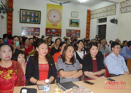 Pho Bi thu Tinh uy Nguyen Van Thong vui hoi dai doan ket tai phuong Hung Phuc, TP. Vinh - Anh 1