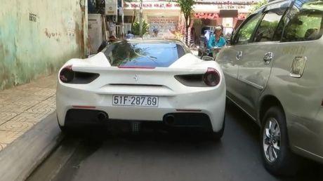 'Sieu ngua' Ferrari 488 GTB cua Cuong Do-la chat vat len loi tren duong - Anh 1