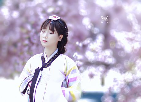'Chi dai' Suu nhi khoe hinh dien Hanbok dep long lanh nhu gai ban dia - Anh 8