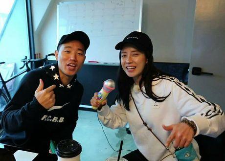 Vua tro lai Running Man, Gary da doi hoi cuoi Ji Hyo. - Anh 1