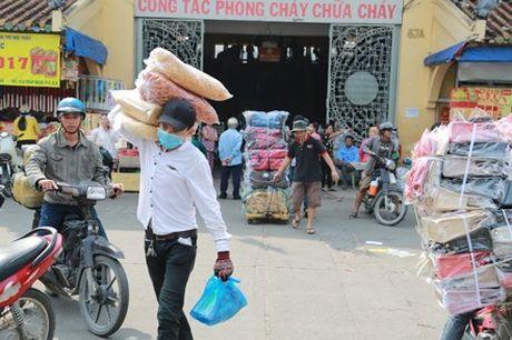 Tieu thuong cho Binh Tay hoi ha don do truoc ngay tam dong cua - Anh 2