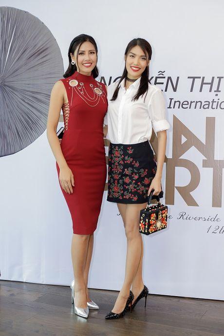 Nguyen Thi Loan lam gi sau khi lot top 20 Hoa hau Hoa binh quoc te 2016? - Anh 3