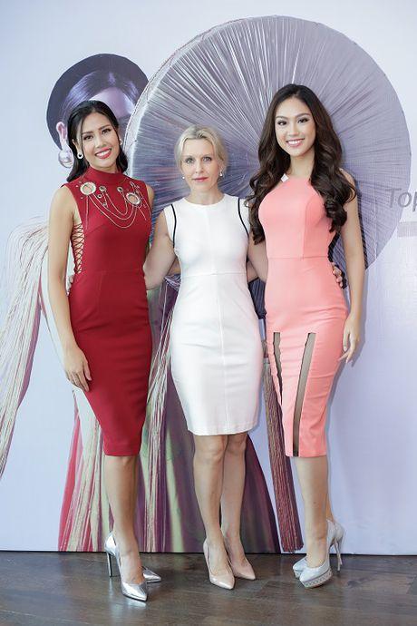 Nguyen Thi Loan lam gi sau khi lot top 20 Hoa hau Hoa binh quoc te 2016? - Anh 7