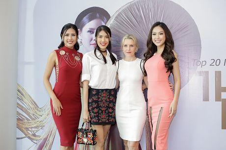 Nguyen Thi Loan lam gi sau khi lot top 20 Hoa hau Hoa binh quoc te 2016? - Anh 8