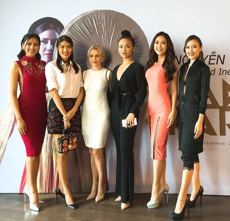 Nguyen Thi Loan lam gi sau khi lot top 20 Hoa hau Hoa binh quoc te 2016? - Anh 9