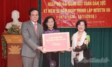 Pho Chu tich Le Ba Trinh du Ngay hoi dai doan ket tai phuong O Cho Dua - Anh 1