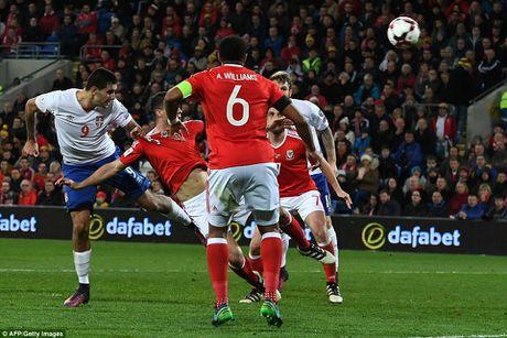 Bale ghi ban, DT xu Wales khien doi thu do mau - Anh 10