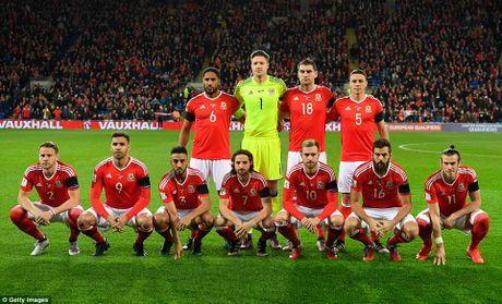 Bale ghi ban, DT xu Wales khien doi thu do mau - Anh 2