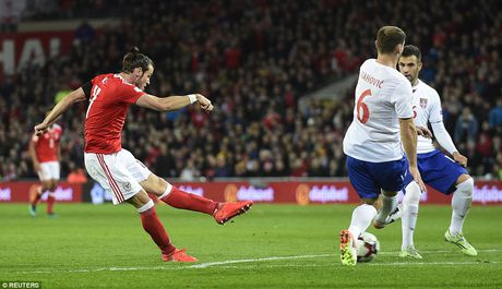 Bale ghi ban, DT xu Wales khien doi thu do mau - Anh 3