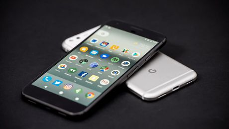 Google Pixel bi hack sau 60 giay - Anh 1