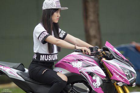 Kawasaki Z800 do Hello Kitty cua nu biker Sai Gon - Anh 3