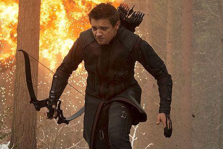 Jeremy Renner kho tai ngo Tom Cruise vi 'Avengers 3' - Anh 1