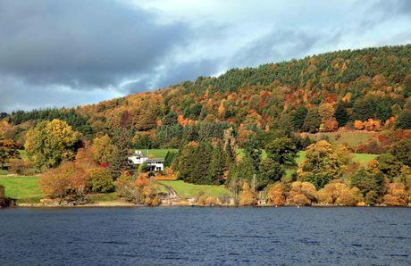 Ngo ngang voi ve dep tho mong cua Lake District khi vao Thu - Anh 1